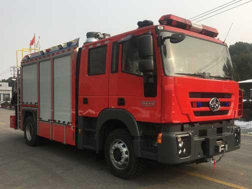 红岩抢险救援消防车
